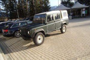 Land Rover Defender 110″ DCPU E 2,4 TD bei Johann Schiestl GmbH in Ihr kompetenter Partner rund um's KFZ